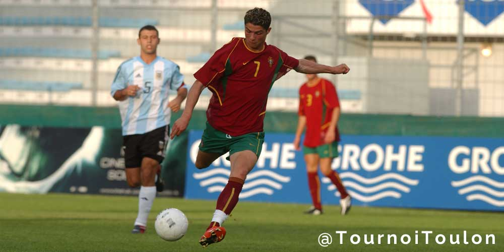 As @FCBarcelona face @realmadrid, stars @Cristiano and @Mascherano met before at @TournoiToulon 2003 #Toulon2016 https://t.co/g9TDtfyLbe