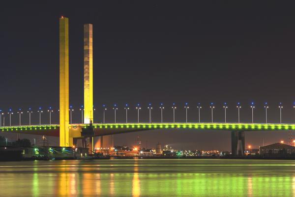 CityLink is showing its support for World Autism Awareness Day by lighting up the #BotleBridge in yellow . #GoYellow https://t.co/xrphscUkjx