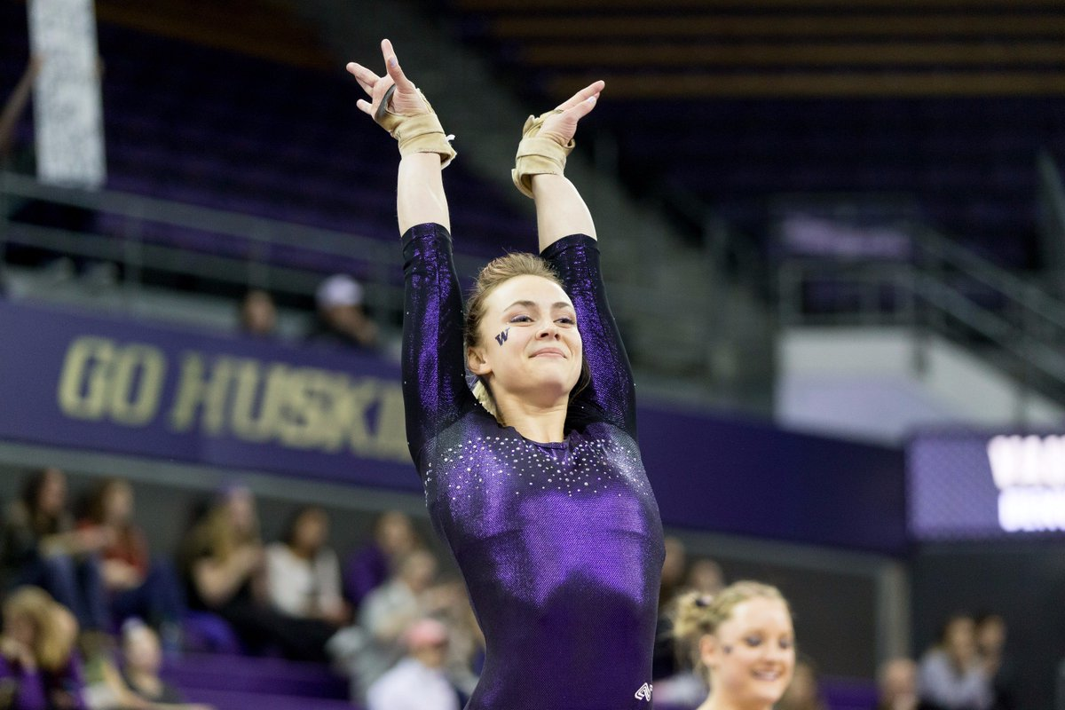 Senior @allliedanorth will wrap up her career at Nationals, qualifying in the AA at tonight's regional meet! #LLTS https://t.co/6vhy7BylyB