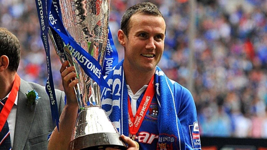 ON THIS DAY: 2011 | Carlisle beat Brentford 1-0 at Wembley Stadium to win the Johnstone's Paint Trophy https://t.co/90o3ALhXOi