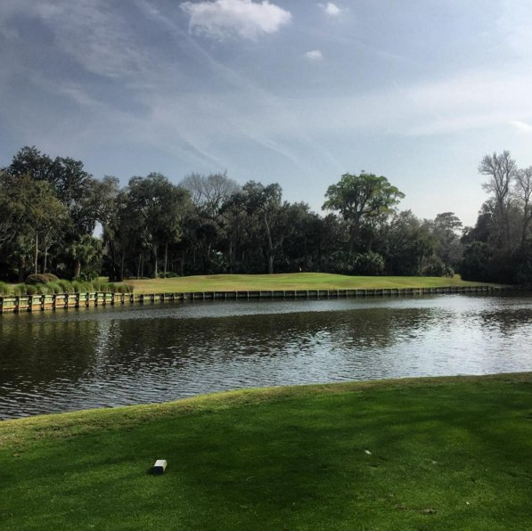 Retweet if you'd love to play UNLIMITED #golf at #PalmettoDunes! https://t.co/xjFuwHSJrf