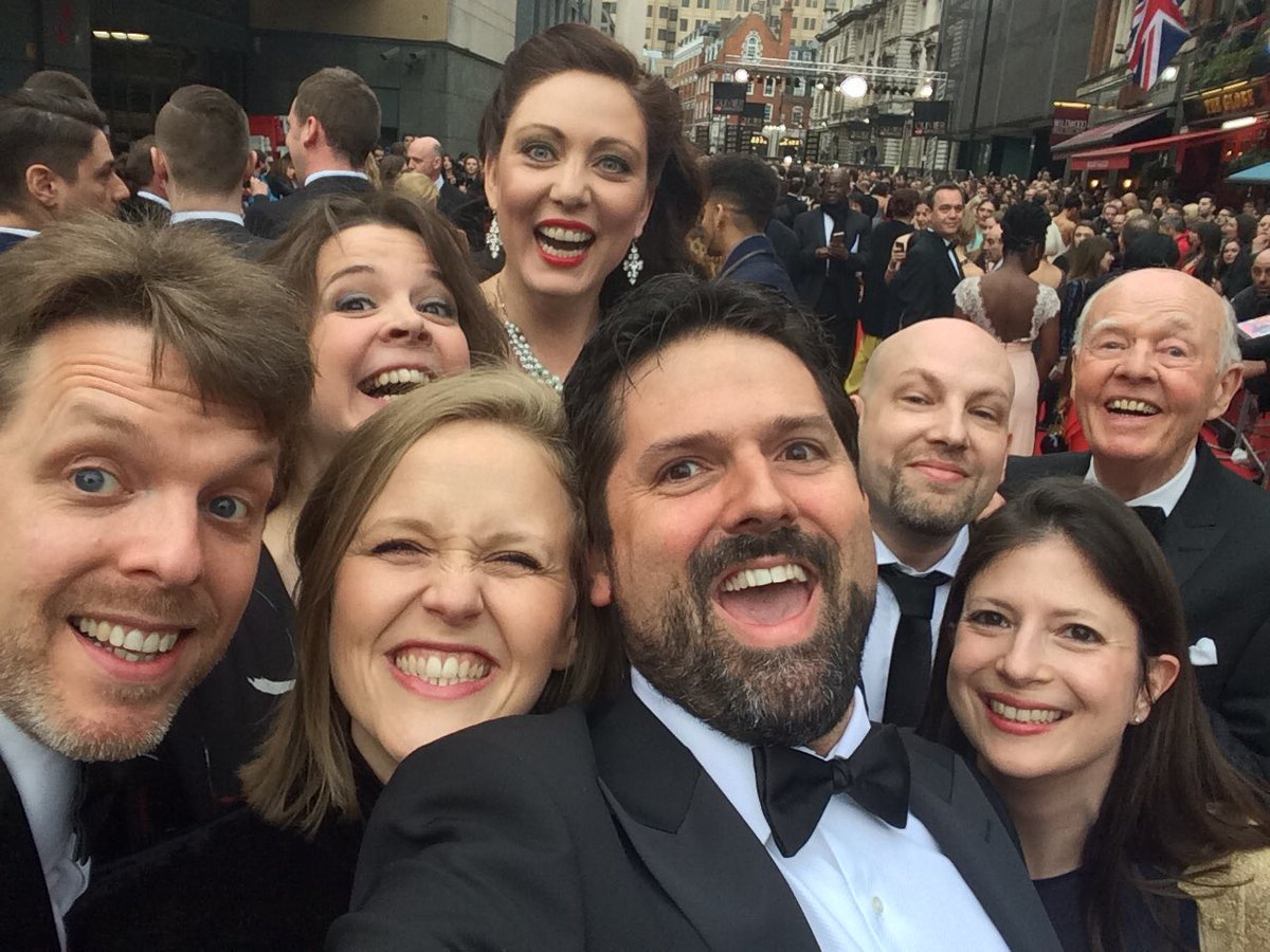 On the red carpet. @OlivierAwards #ThisThingIsReal https://t.co/Micgs3zRTE
