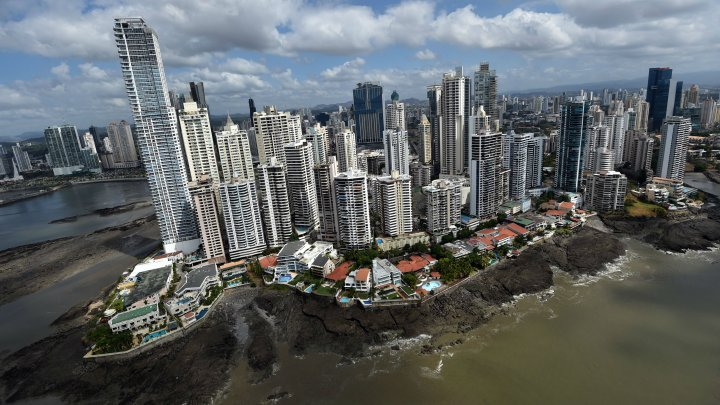 Panama papers: Major leak exposes elite's tax havens