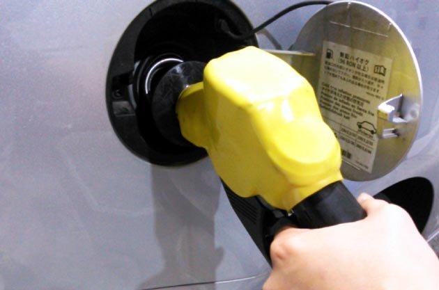 軽自動車だから軽油!? なんと1ヶ月に269件!! 燃料給油間違い救援依頼多発をJAFが発表!! https://t.co/fkghkmWMzK https://t.co/JUp2WJw4oF