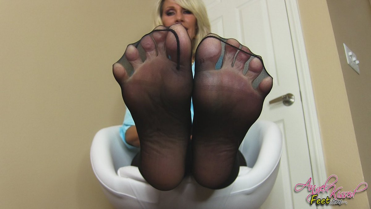 My Pantyhosed Feet Own you (MP4-HD 1080p) #PANTYHOSE/STOCKINGS #clips4sale q729ZN11Og via