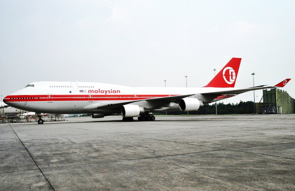 Malaysia Airlines has re-activated a 747 (& put in retro livery) for LHR flights while A380s in maintenance/charters https://t.co/Lm20j3LxEF
