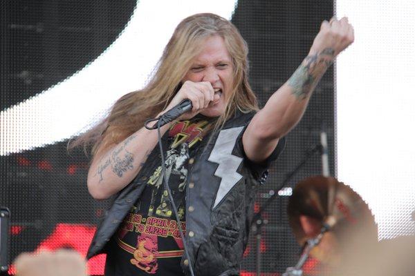 Rock legend @sebastianbach celebrates his birthday at #Rockfest80s: https://t.co/5AaRouSrdf @ROCKFESTCONCERT https://t.co/pKQbRK771a