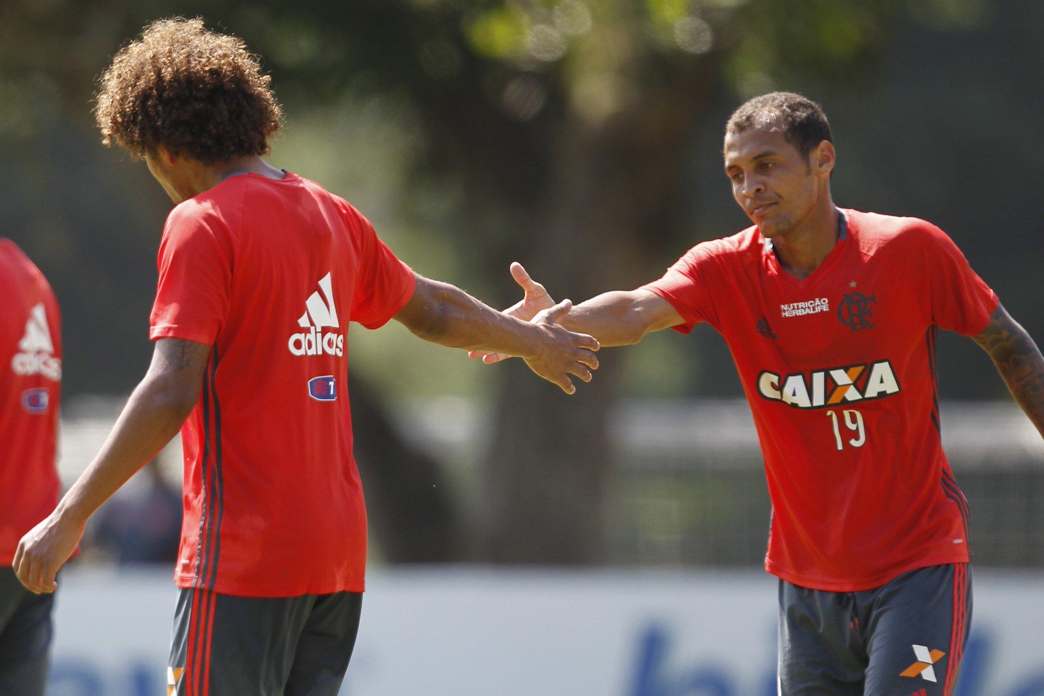 Resultado de imagem para Willian Arão e Alan Patrick Flamengo