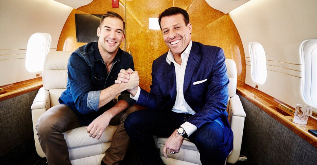 Listening to a great podcast by my friend @LewisHowes. Today he is interviewing @TonyRobbins https://t.co/AASTk66pVy https://t.co/a91kCDxreg