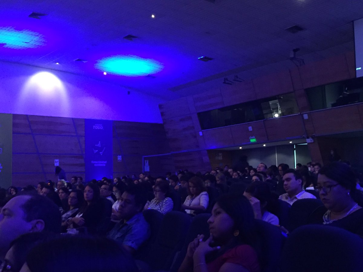 En un rato hablo en  #MKTDigitalPeru, el evento de #TransformacionDigital organizado por la @UDEP y el foro luce así https://t.co/MZu3ek4gO0