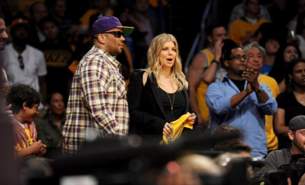 lakers love #memories https://t.co/AT95vrNrov https://t.co/fIHSh98XcA