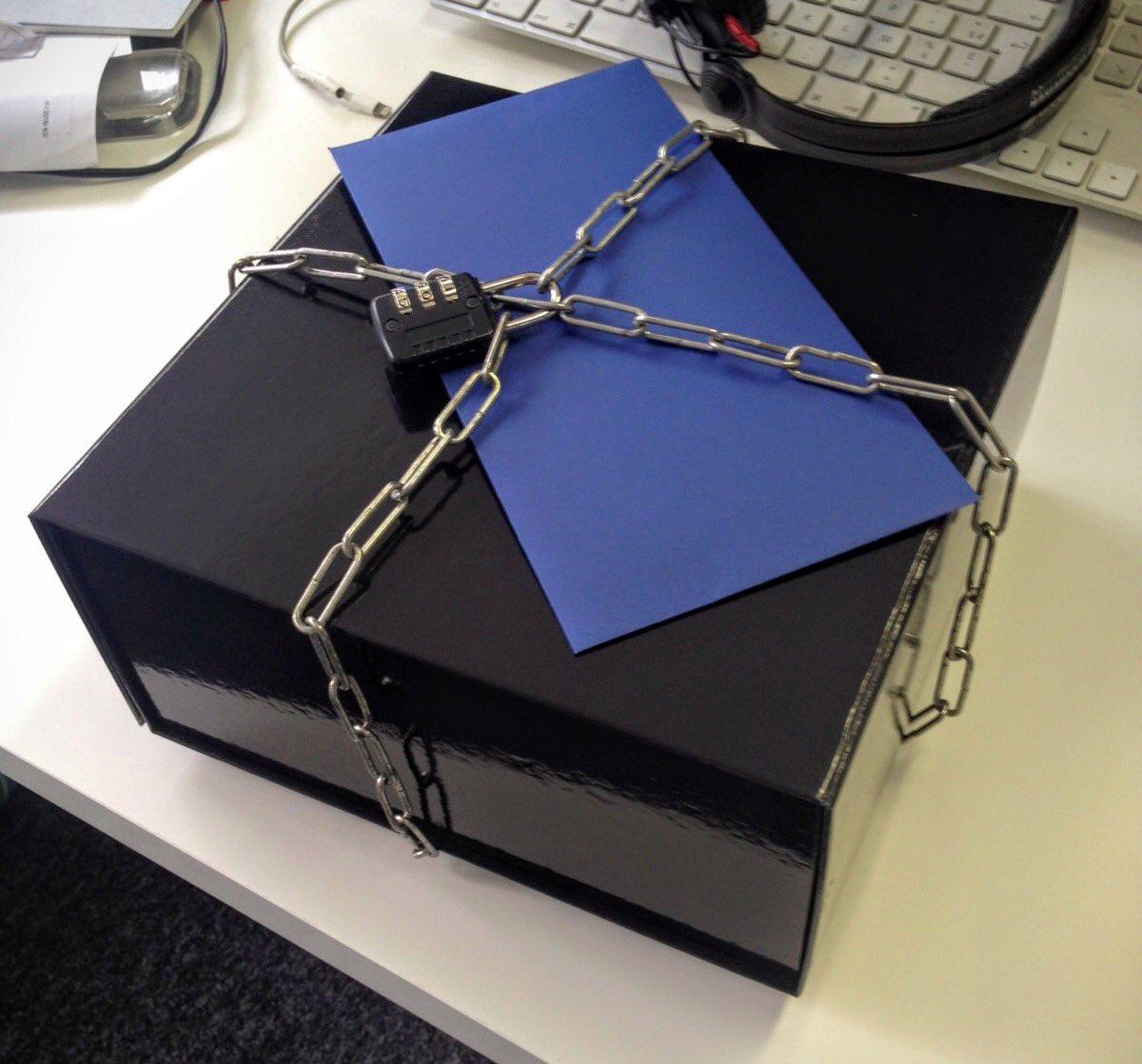 Ce qui se passe quand Granola nous envoie une boite avec un cadenas sans le code... #nightassistance https://t.co/OxZHvo0kuQ