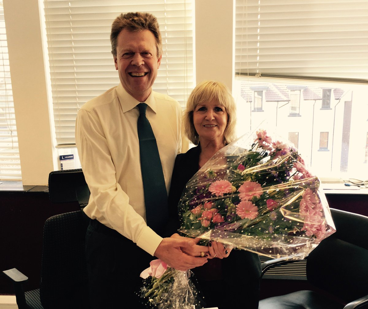 My old friend Jane Wilkinson celebrates 30 years at Leaders! What a star! Congratulations! https://t.co/7onOeODopv