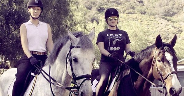 Iggy Azalea & Kesha escape their troubles on horseback: