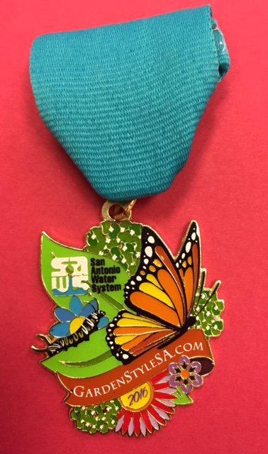 The #Fiesta2016 gods want u to win a FREE https://t.co/cRq8hJcItB #medal. Enter here: https://t.co/sNayyIabWz https://t.co/WzCitgGcbo