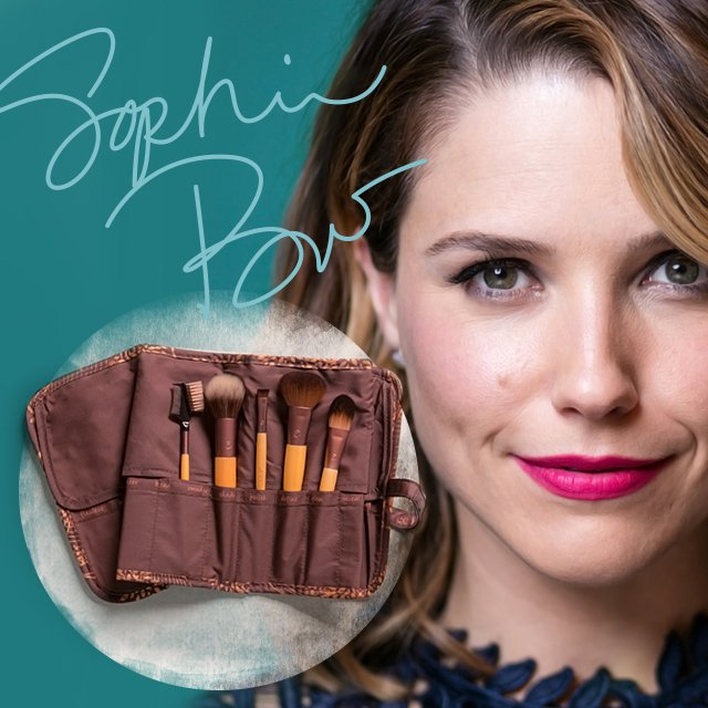 Enter to win a brush roll signed by @SophiaBush, plus over $100 worth of EcoTools products!  https://t.co/poiacitUbW https://t.co/Mh6gTyzUzI