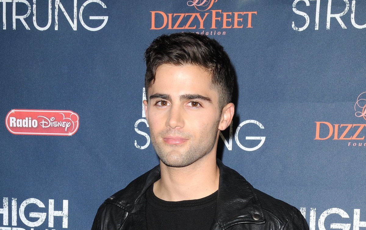 .@YandR_CBS' @maxehrich fights back against the paparazzi — see the shocking video --> https://t.co/pWk3tEH6YH https://t.co/PDYqhsuWL2