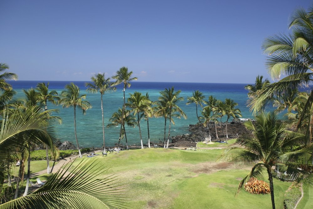 Aloha Kona! This November we'll have weekly flights from @BhamAirport to the Big Island: