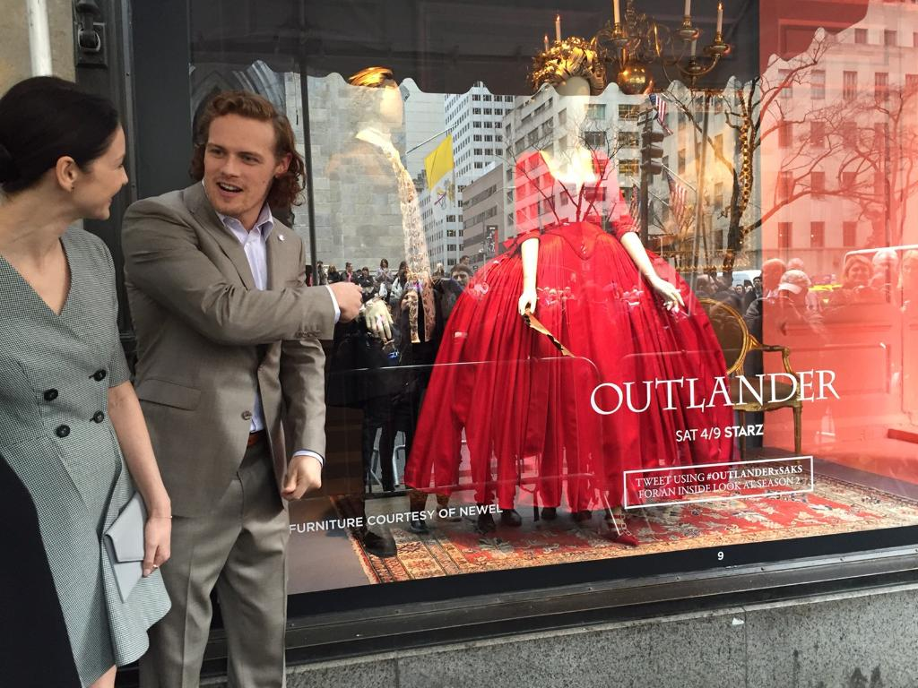 Our #SaksMagalog stars @caitrionambalfe & @samheughan & @outlander_starz creators unveil windows to adoring fans! https://t.co/JIqnRV4Dmr