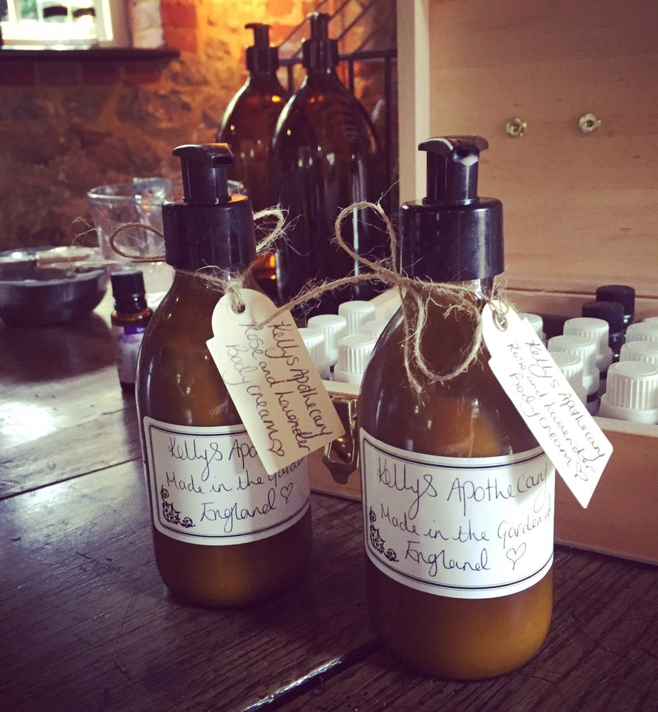 My First batch of homemade Rose&Lavender Body Lotions. Essential Oils added by the drop ???????????? #KellysApothecary https://t.co/rvJhDw6e1r