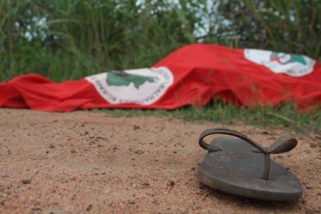 Sem Terra são assassinados no Paraná: https://t.co/JsRvSBKUJr https://t.co/esvX041s1z
