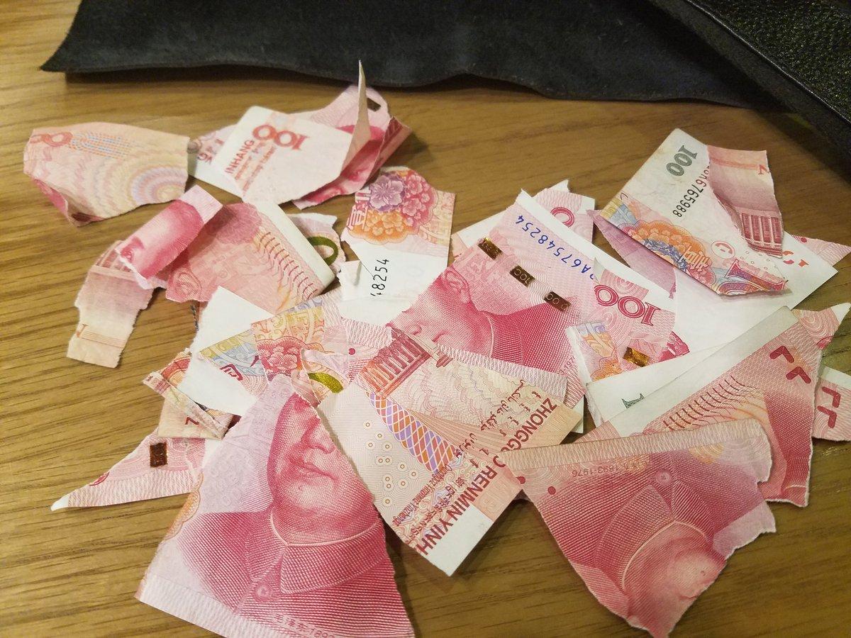 我的钱没让国保抢走,是我自己撕了,他们要用我的钱给我买回北京的票,我不肯,宁肯撕了也不给。嘿嘿 https://t.co/cMuhEjAPMK