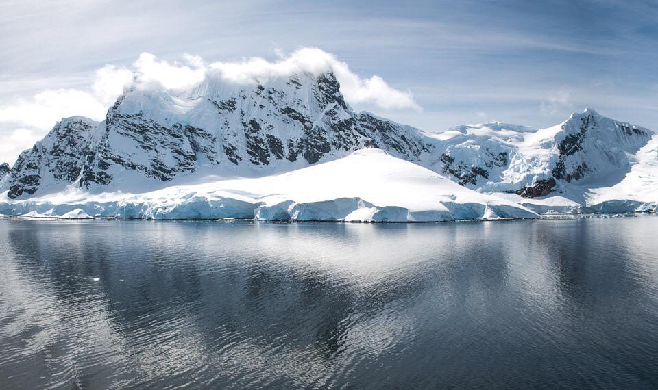 Antarctica   Photography by ©Alexey Belenkiy https://t.co/BRTeTOg88o