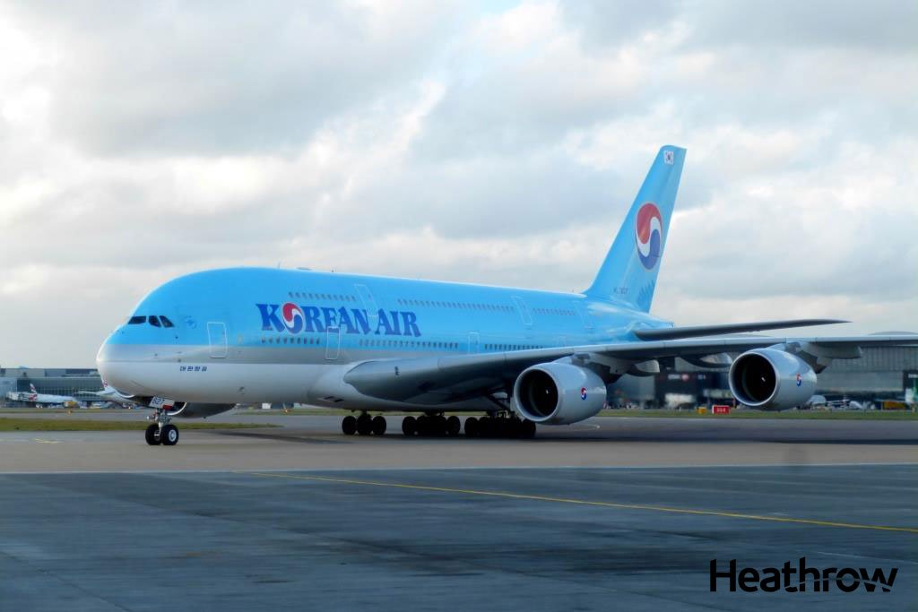.@KoreanAir_KE is the latest A380 addition to LHR. Read more about these Superjumbos here: