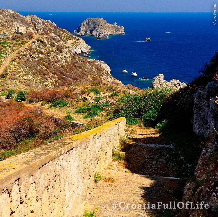 #Palagruža, a heavenly and unspoiled natural beauty! Do you agree? #CroatiaFullOfLife https://t.co/mAOFPgSonY