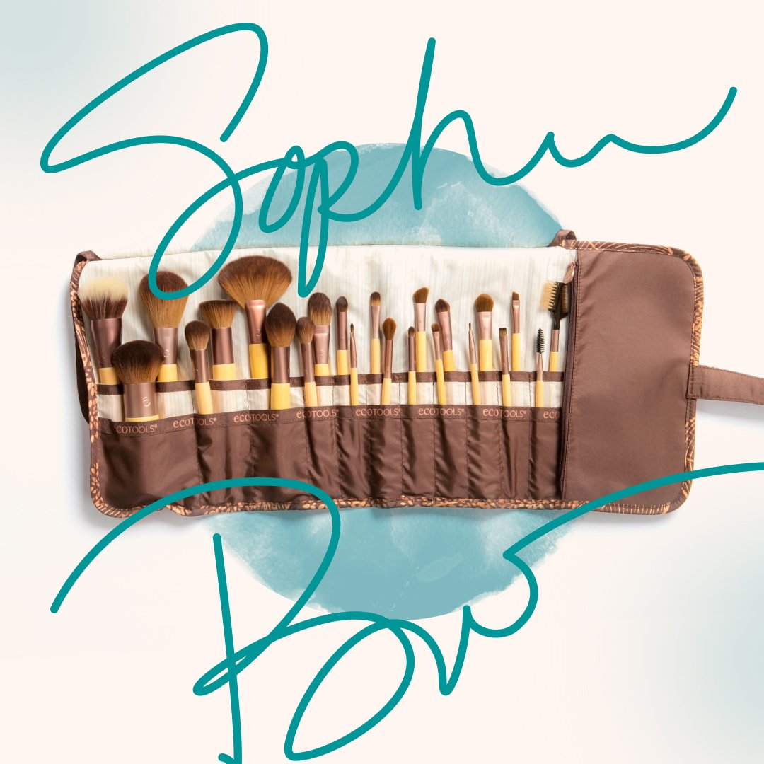 Enter our latest giveaway to win $100 worth of brushes and a gift from @SophiaBush! https://t.co/poiacitUbW https://t.co/j8w6DkHrbC
