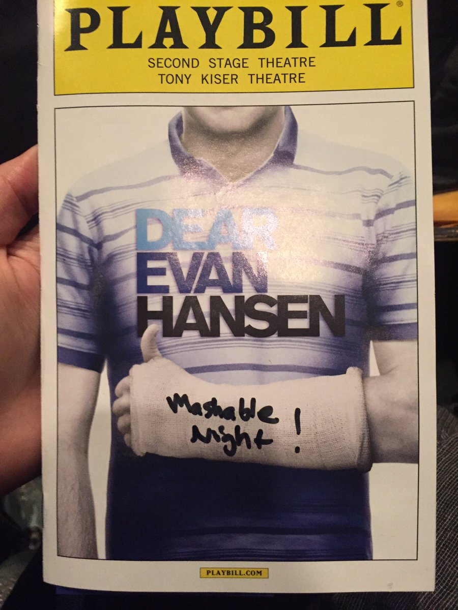 Finally NYC gets to see @DearEvanHansen!!! Such an amazing night with our friends @mashable #WhoIsEvanHansen https://t.co/8K2XhfsoQq