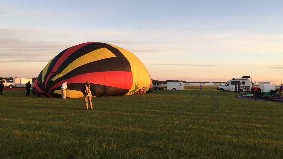 Winds are too high for ballooning this morning, but some of the teams will inflate and tie down for exhibition. https://t.co/i5EPe7INyF