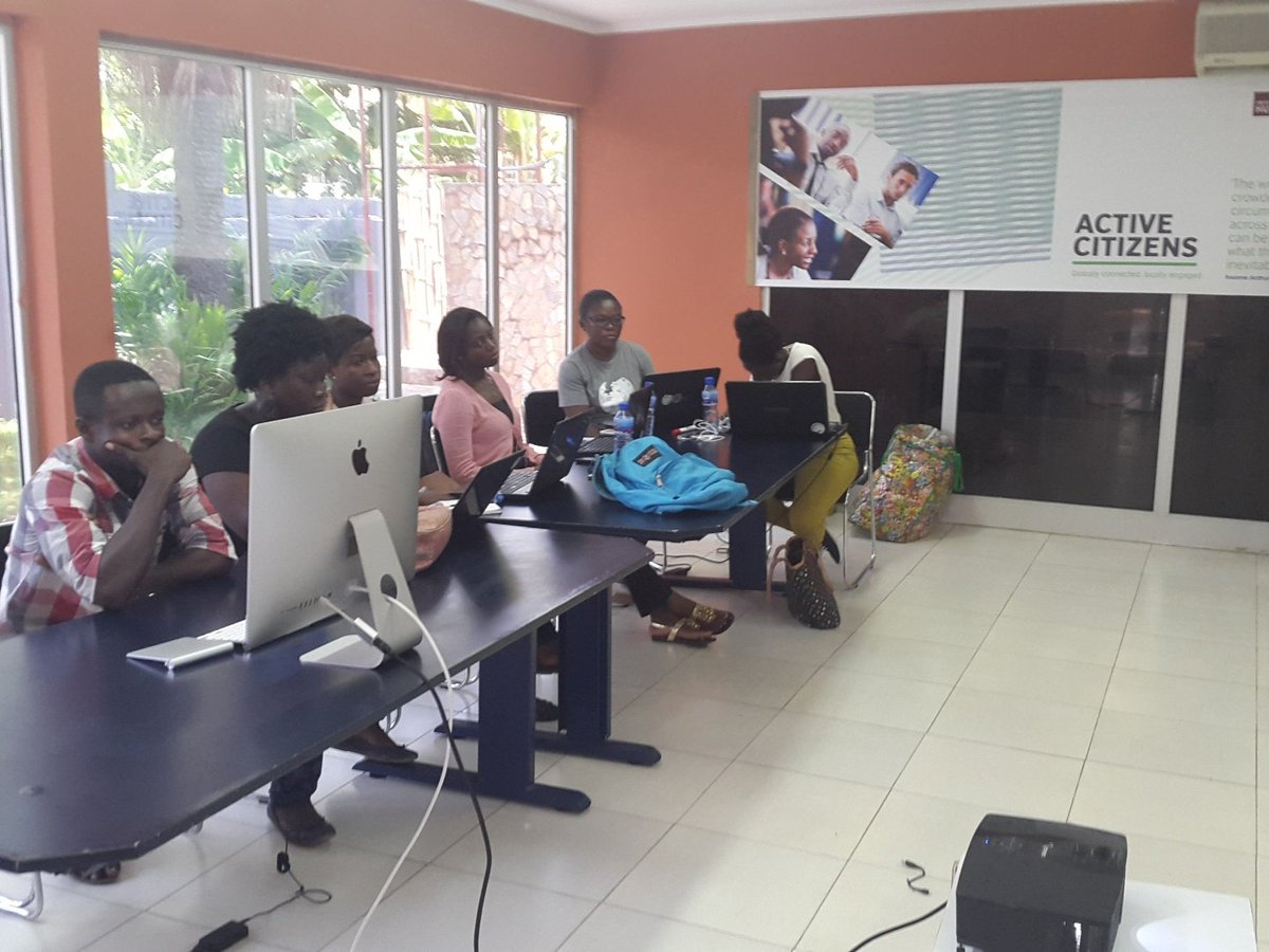 Wikipedia edit-a-thon eager ladies wanting to be Wikipedians #Arts+feminism @artandfeminism @WikimediaGh @hubaccra