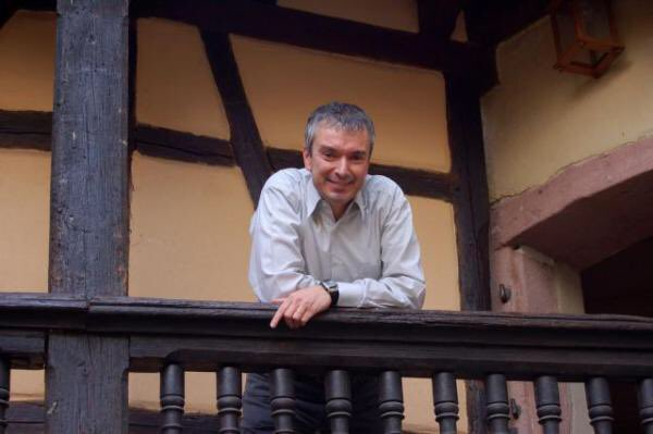 Desperately sad news from Alsace - the sudden death this morning of our great friend Etienne Hugel https://t.co/mzqBYCY7no