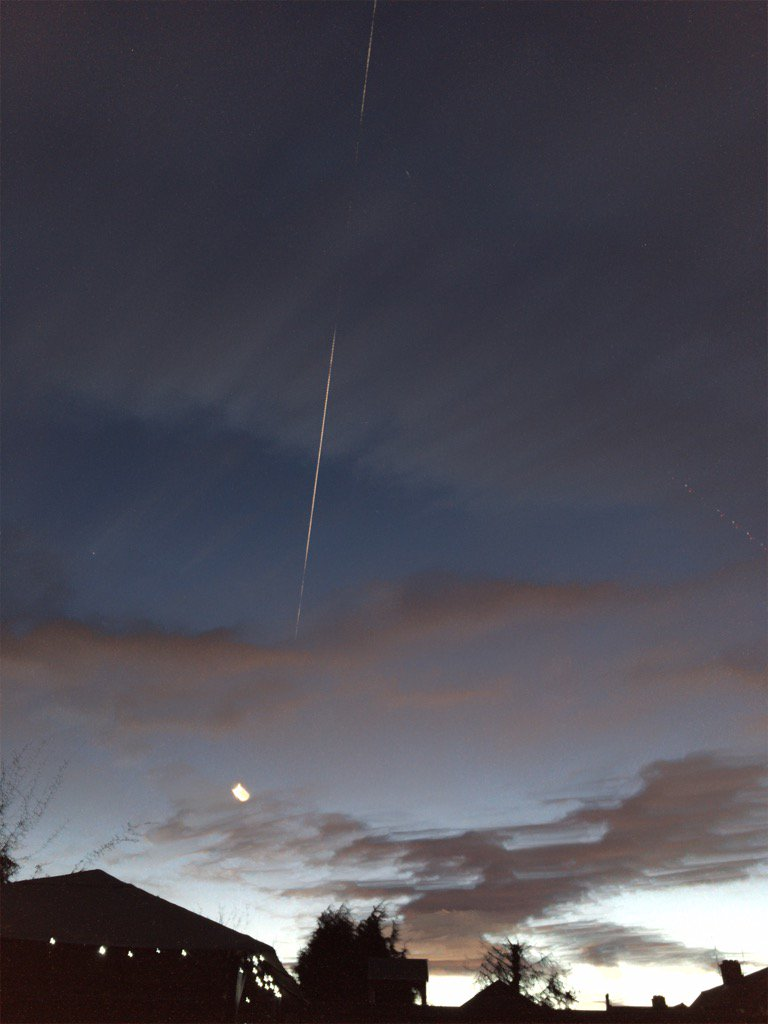 #ISS was super clear tonight, and pretty amazing to see dragon trying to catchup // @VirtualAstro https://t.co/Hx9qc4xRbZ
