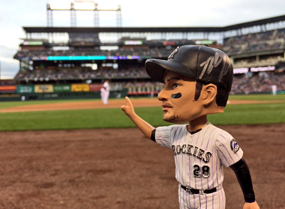 RETWEET THIS NOW for your chance to win this SIGNED Nolan Arenado #DiamondLeader Bobblehead! https://t.co/t31b6Ey28O