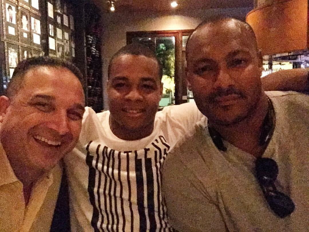 Photo: Will Smith 1-hour before being shot & killed, w/Pierre Thomas & former NOPD commander Billy Ceravolo. So sad. https://t.co/PMFpRm3vOl