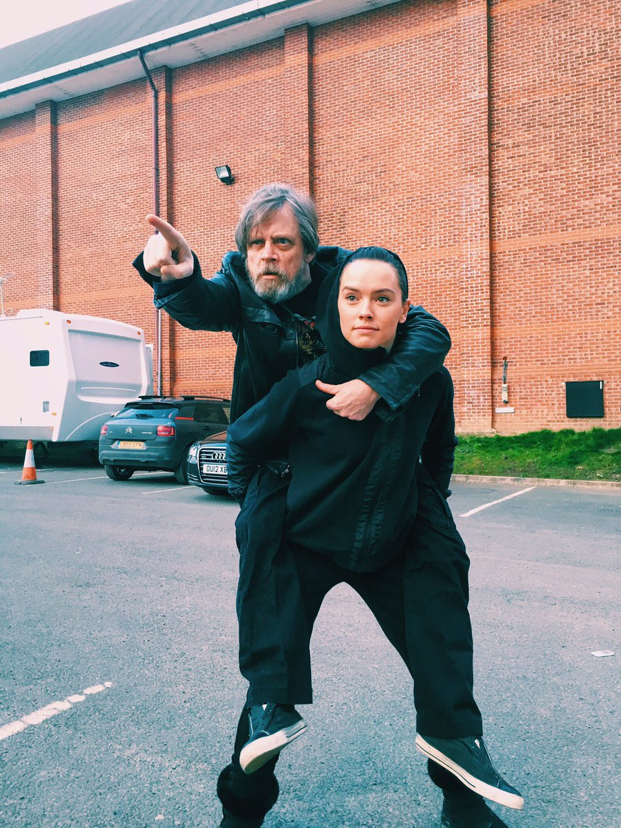 A long time ago (last week I think) In a galaxy far, far way(@PinewoodStudios ) THIS happened! Happy Birthday Daisy! https://t.co/dYc9j65YBD