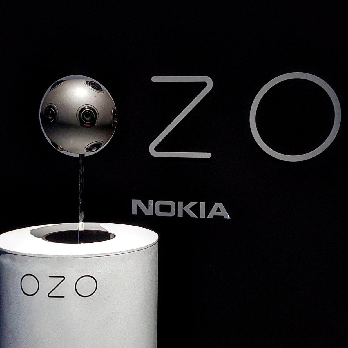 Testing @nokia @nokiaozo Ozo all week...got big plans for that little ball! https://t.co/FPhVg0qvPE