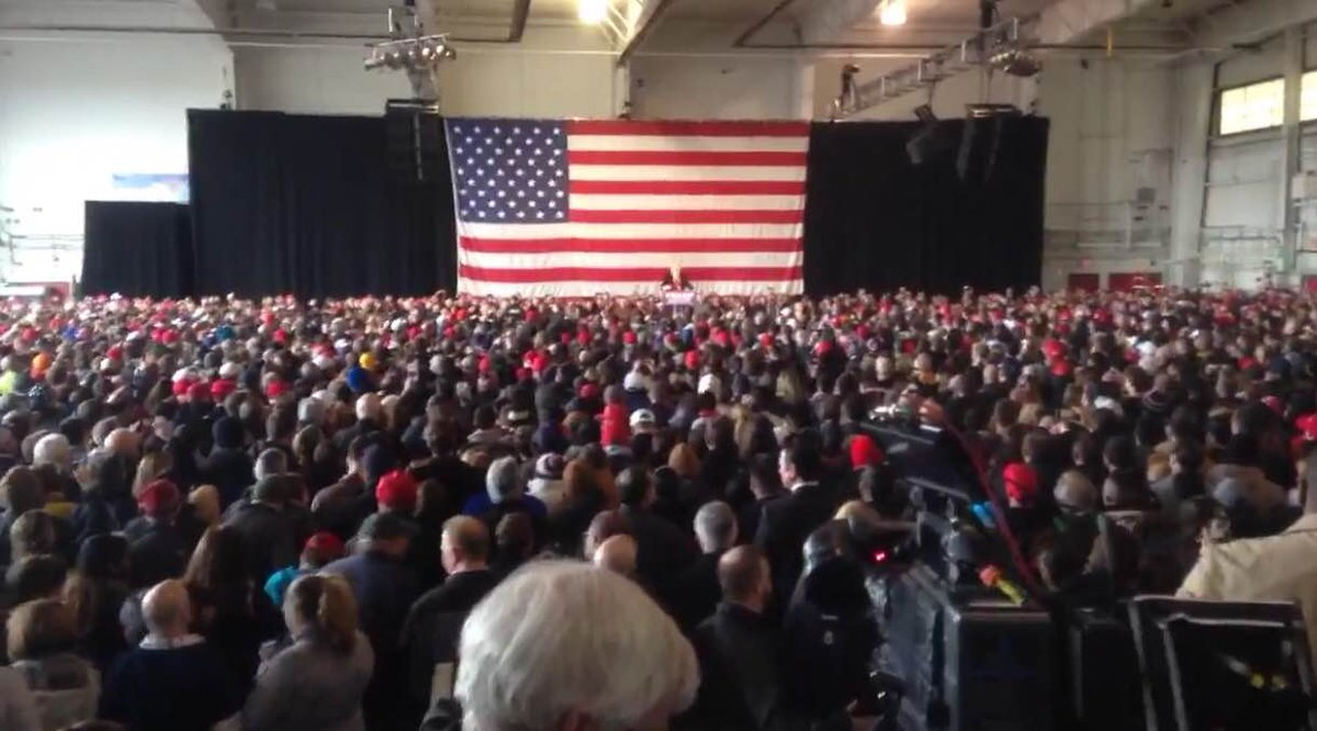 Donald Trump says the media won't show the huge crowd at his #ROC rally. Here it is. #WeAreBroadcasters https://t.co/tuQRDKC0oz