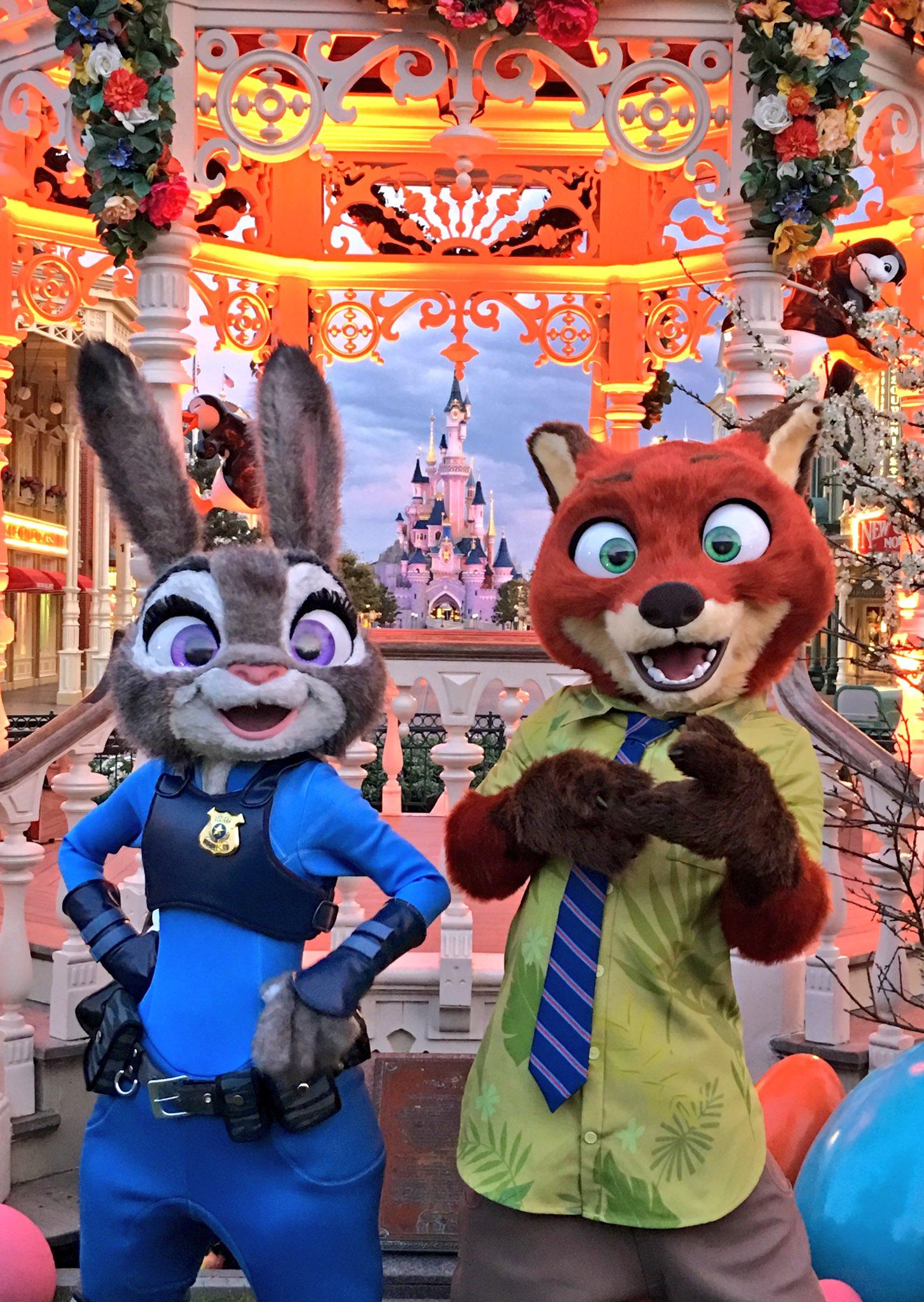 Judy & Nick at #DisneylandParis 💙💚💙💚💙💚 #Zootopia #Zootopie https://t.co/nrH6cniG3S