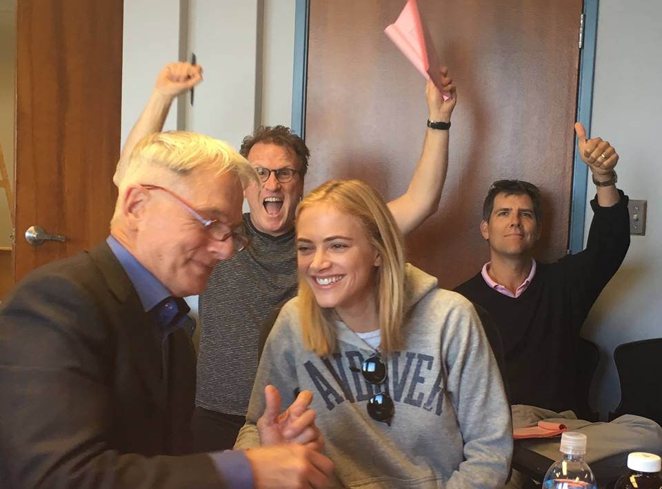David posting funny pics on FB with Mark @EmilyWickersham and @mostx1 #NCIS https://t.co/evHZaDy0gY