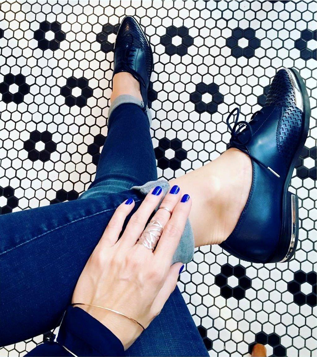 RT @FergieFootwear: #TrueBlue baby #iloveyou!#fergie #blueshoes #manimonday #fromwhereisit #mondayblues #blueday https://t.co/deF2DvRu6I ht…