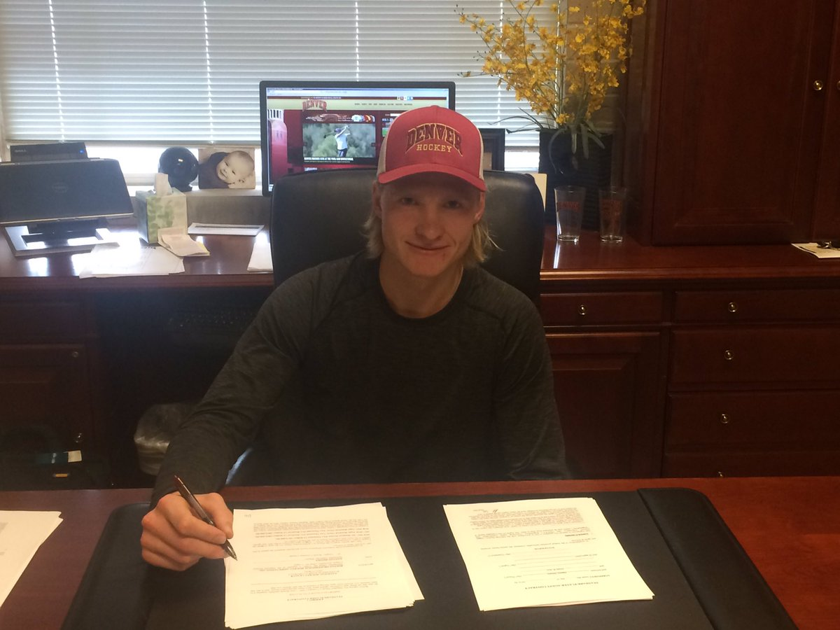 Congrats to Danton Heinen on signing his first career @nhl contract today, inking an entry-level deal with Boston!