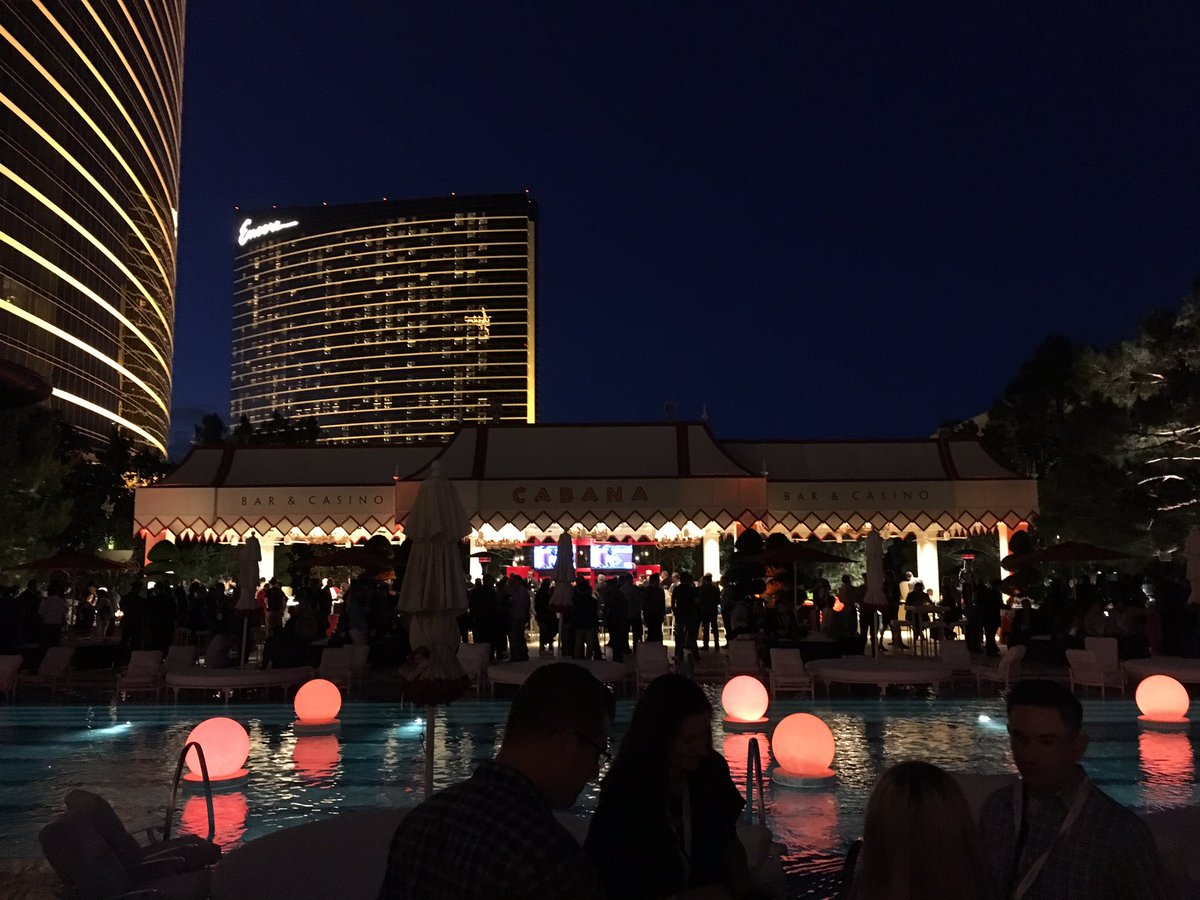 alexanderdamm: Networking event comes to flourish. Cheers! #MagentoImagine https://t.co/oWz6A2fsRd