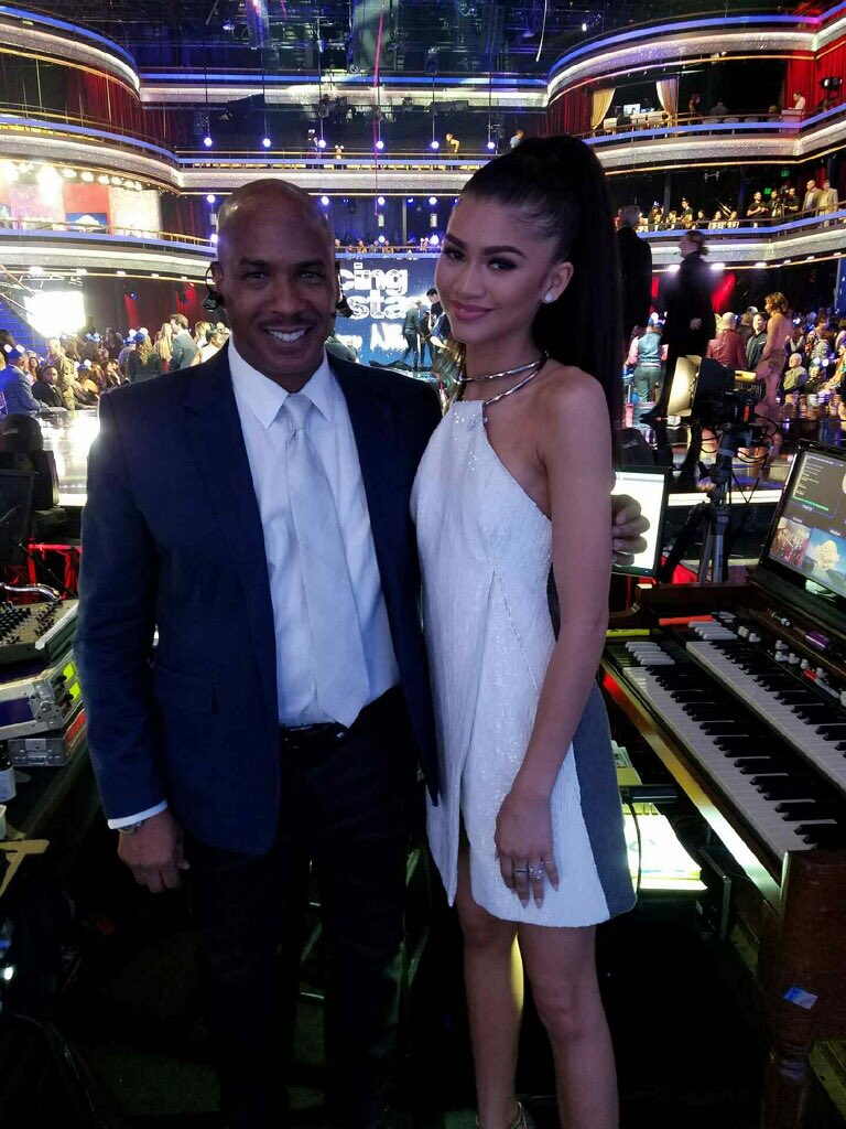 Welcome to our special guest judge this week, @Zendaya !!! #DWTS22 #DisneyWeek