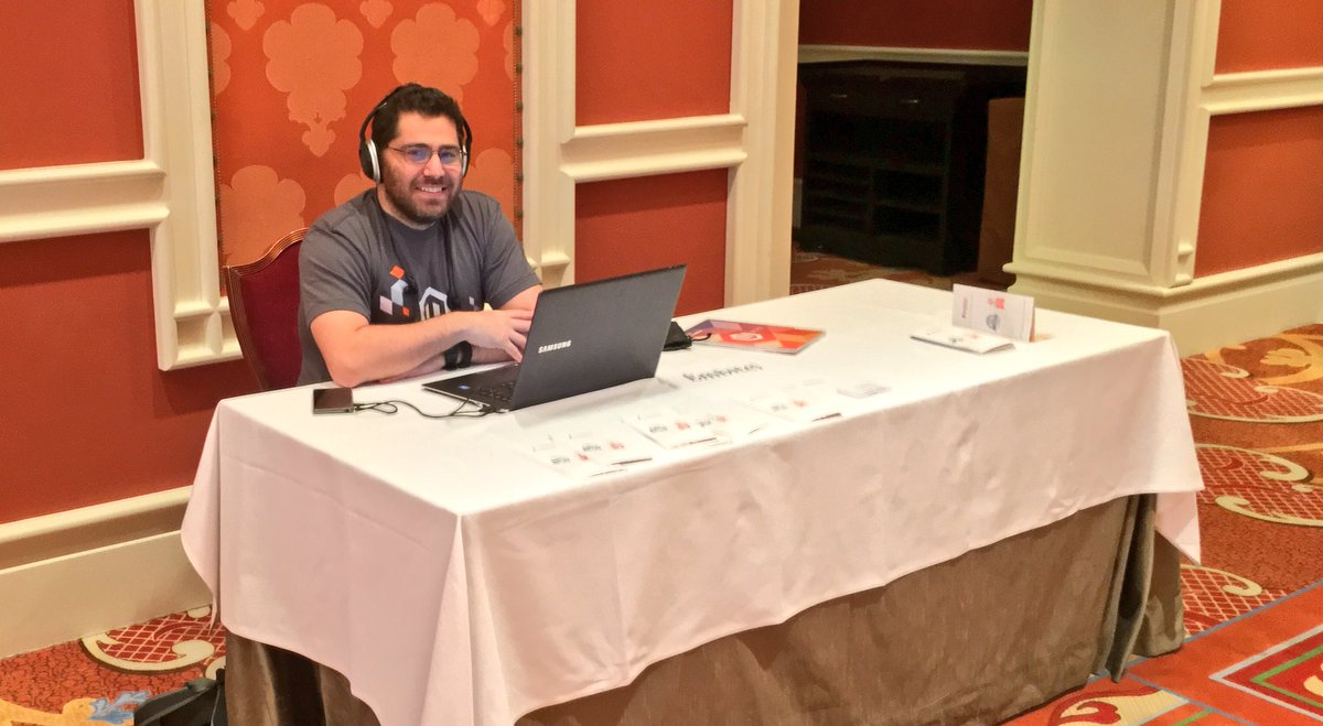 benmarks: Nice to see original developer of Magento @unirgy here at #MagentoImagine. Fantastic guy! https://t.co/FZjzfuD5fc
