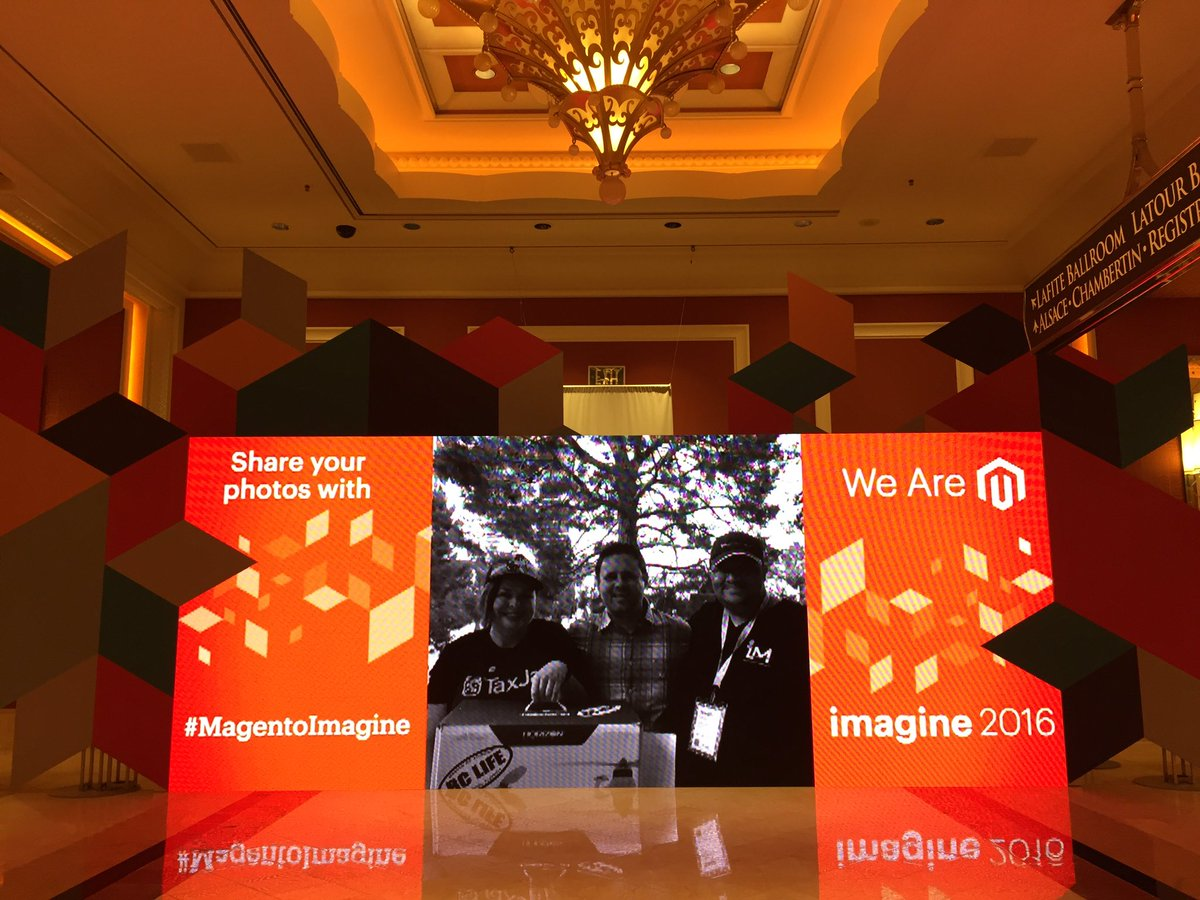 sherrierohde: This is LED photo wall is super legit! #MagentoImagine https://t.co/SjKcyIgqDu