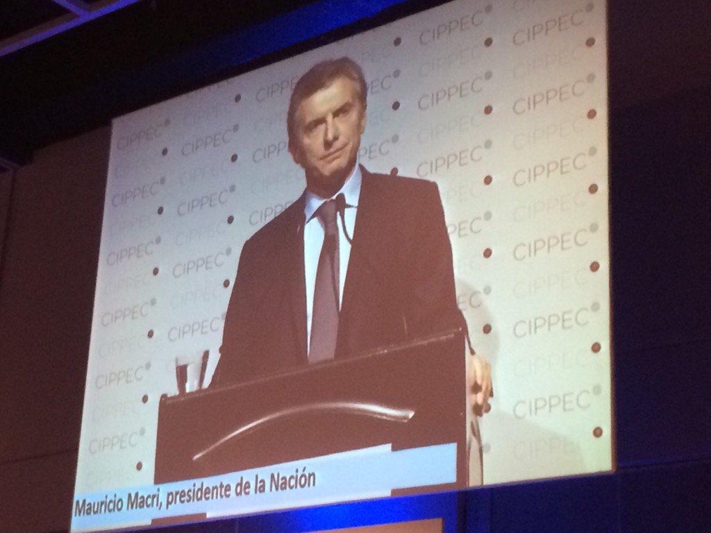 "@mauriciomacri en #CenaCIPPEC ""Tenemos que demostrar grandeza y responsabilidad en cada decisión que tomemos."" https://t.co/mwqh7S9E8V"
