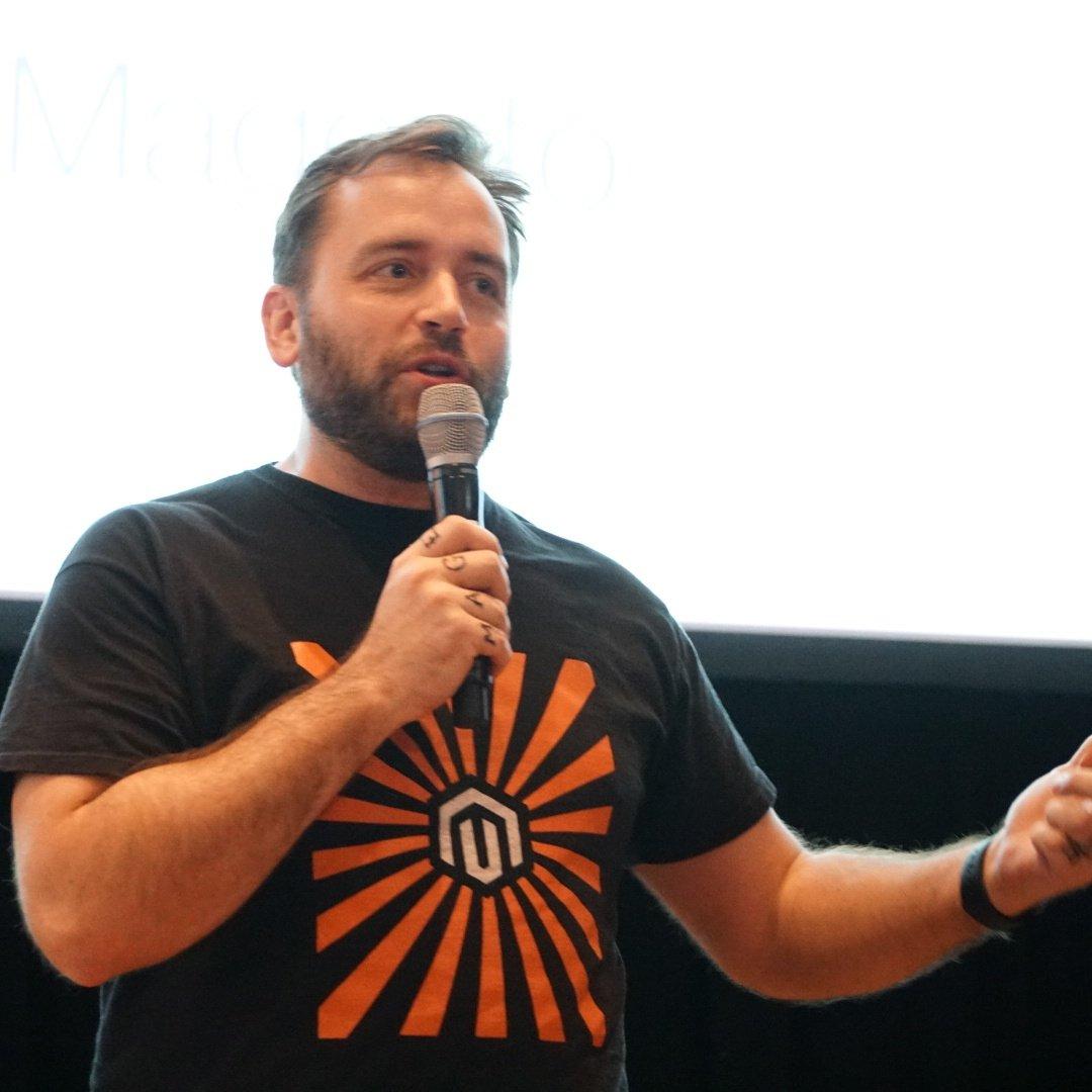 wejobes: @benmarks  has been a great host of the Magento 2 Deep Dive today #MagentoImagine https://t.co/zQkd2iNwEk